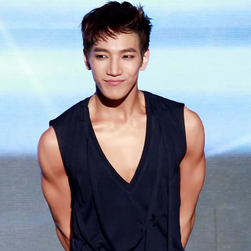 2PM'den Jun.K.'in makyajlı hali